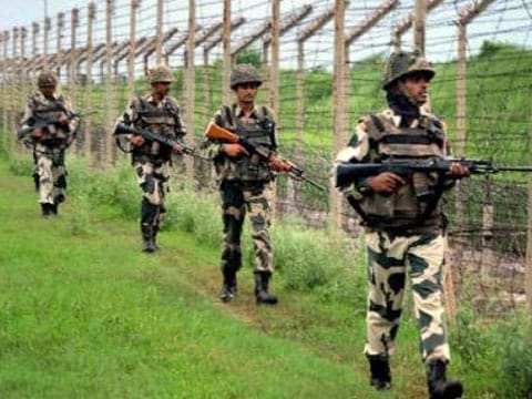Encounter on between terrorists and security forces in Jammu and Kashmir\'s Pulwama: ANI news agency