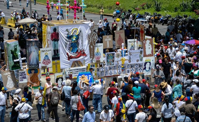Death Toll in Venezuela Anti-Nicolas Maduro Protests Hits 42