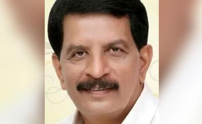 मुंबई : बर्खास्त एनकाउंटर स्पेशलिस्ट प्रदीप शर्मा फिर से पुलिस सेवा में बहाल