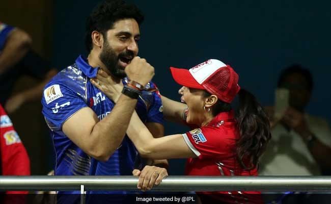 IPL 10: जब 'नाराज होकर' बॉलीवुड स्टार प्रीति जिंटा ने अभिषेक बच्चन का गला पकड़ लिया...