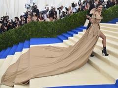 Met Gala 2017: Priyanka Chopra Hits The Red Carpet, Twitter's Got Jokes