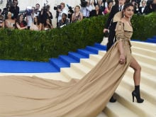 Things Priyanka Chopra Can Use Her Met Gala Dress For, According To Twitter
