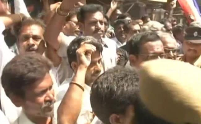 Rajinikanth Fans Hit the Streets In Chennai To Support Entry In Politics