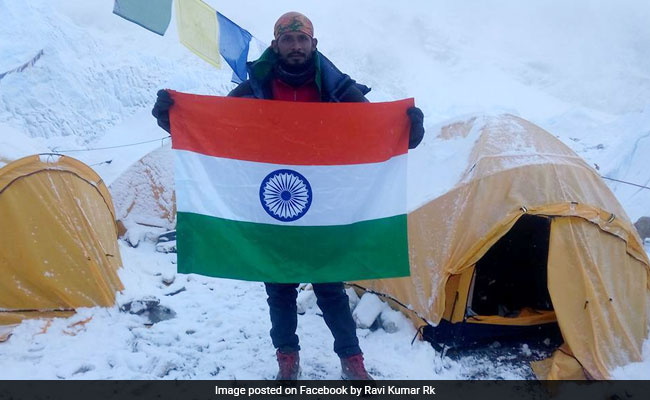American Climber Dies On Mount Everest, Indian Missing