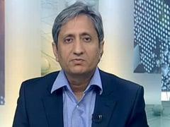 प्राइम टाइम इंट्रो : भारतीय प्रेस जोखिम उठा रहा है या सत्ता के सामने सिर झुका रहा है?