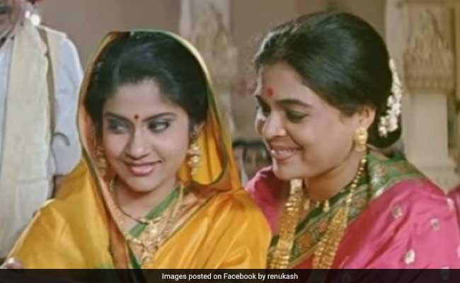 रीमा लागू को 'ऑनस्क्रीन बेटी' रेणुका शहाणे ने दी श्रद्धांजलि, 'आप इतनी सुंदर थीं कि मैं देखती ही रह गई...'