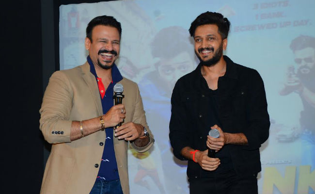 Viral: Bank Chor Riteish Deshmukh Roasted By Co-Star Vivek Oberoi. Watch