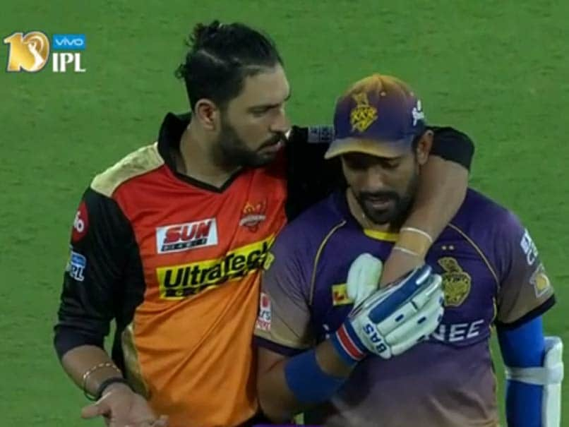 IPL 2017: Yuvraj Singh Plays Peacemaker as Angry Robin Uthappa 'Clashes' With Sunrisers Hyderabad Bowler