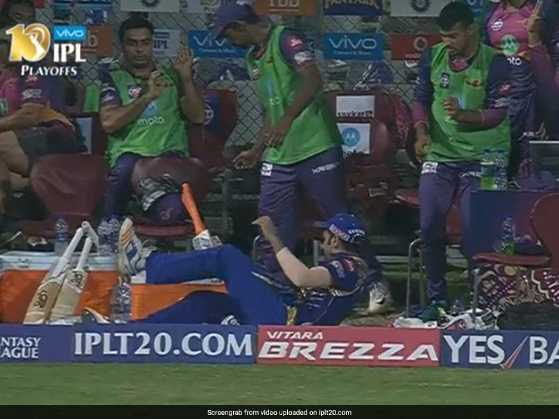 IPL 2017: MS Dhonis Hit Sends Rohit Sharma Tumbling Into RPS Dug-Out