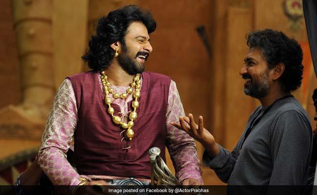 'बाहुबली' देखी, क्या नजर आए एक्टिंग करते डायरेक्टर राजामौली...?