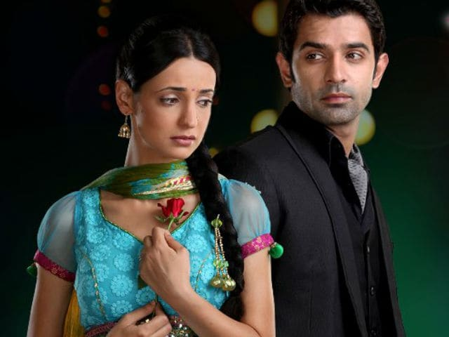 Iss Pyaar Ko Kya Naam Doon: Sanaya Irani is 'Excited' About Barun Sobti's Comeback