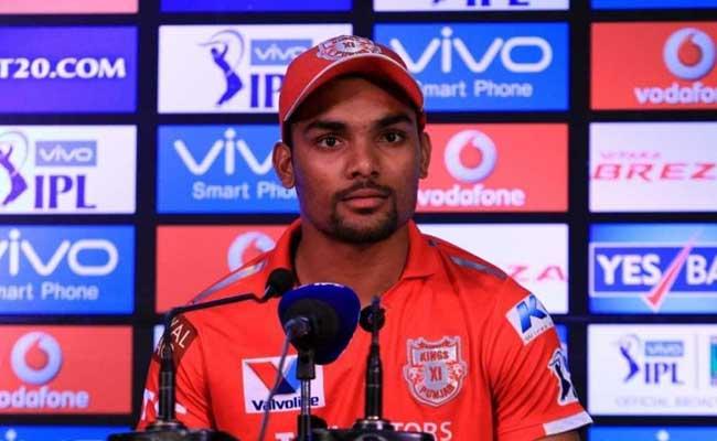 IPL 10: पंजाब के गेंदबाज संदीप शर्मा की इस मुद्दे पर हुई अम्पायर से बहस, किया गया जुर्माना