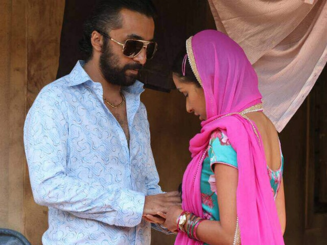 Shraddha Kapoor And Brother Siddhanth As Young Dawood Ibrahim And Haseena