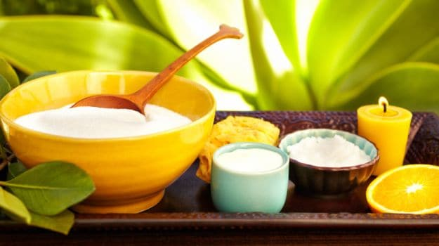 6 Easy Home Remedies for Tanned Hands