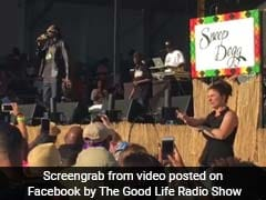 Sign Language Interpreter Steals The Show At Rapper Snoop Dogg's Concert