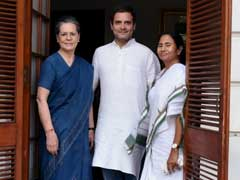 Sonia Gandhi, Mamata Banerjee 'Bonhomie' Puts Bengal Congress In A Tight Spot