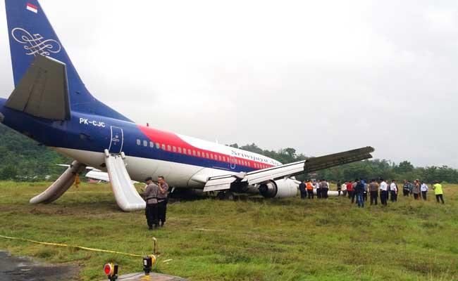 Indonesian Plane Overshoots Wet Runway, Passengers Evacuated On Camera