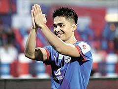 इस भारतीय फुटबॉल खिलाड़ी ने रोनाल्डो और मेसी जैसे दिग्गजों को भी पीछे छोड़ा!