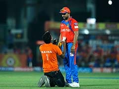IPL 2017: Die-Hard Suresh Raina Fan Interrupts Delhi Daredevils Vs Gujarat Lions Match For Autograph