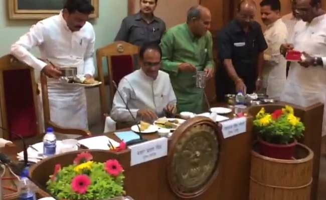 Over Aloo Bonda and Daal, Shivraj Chouhan Holds Key Cabinet Meet