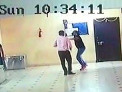 देवास-इंदौर टोल प्लाजा पर 25 बदमाशों ने किया हमला, लोहे की रॉड से कर्मचारियों को पीटा