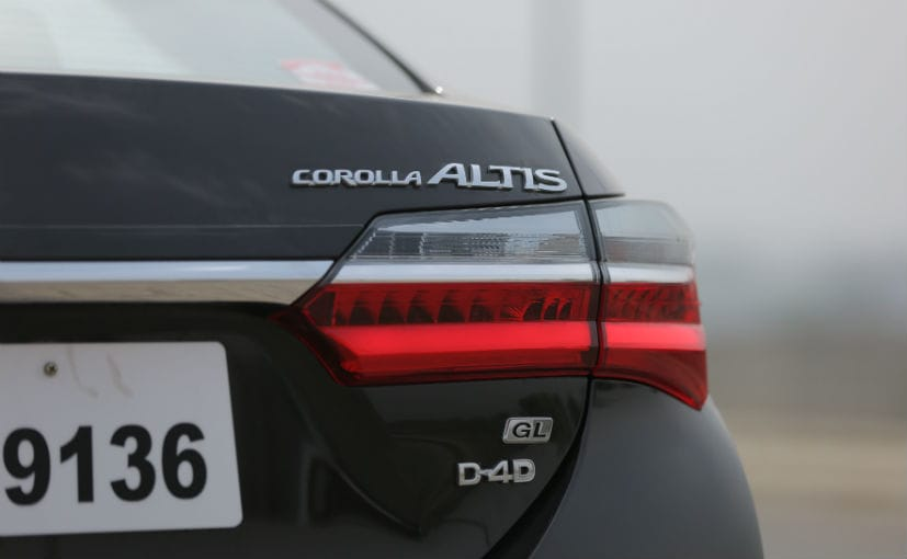 toyota corolla altis facelift badges
