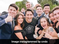 Canadian Prime Minister Justin Trudeau Photobombs High School Students