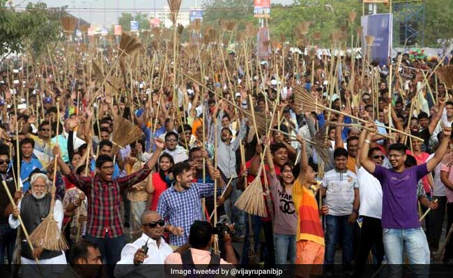 Vadodara's New World Record Gets A Thumbs Up From PM Modi