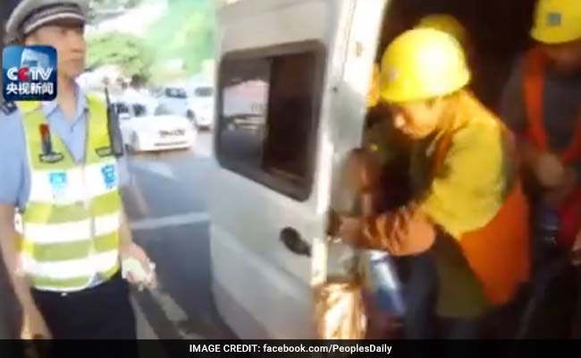 Watch: Police Stops A 6-Seater Van. 40 Men Come Out of It
