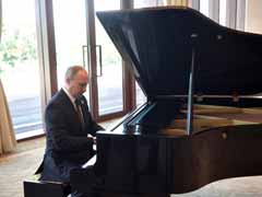 Vladimir Putin Blames Off-Key Piano For Hesitant Musical Rendition