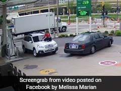 महिला की बहादुरी देख कार चोर की सिट्टी-पिट्टी हुई गुम, पूरी घटना CCTV में कैद