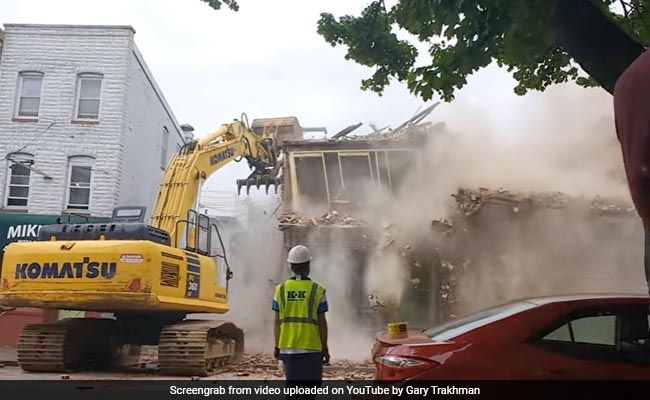 Baltimore contractors knock down wrong building during demolition