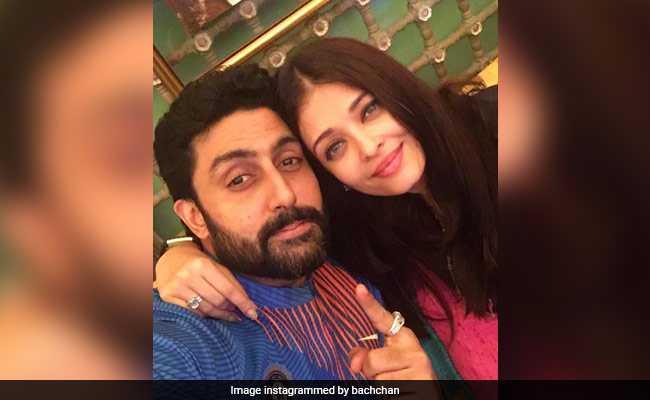 ऐश्वर्या राय बच्चन के साथ अभिषेक बच्चन ने मनाया जश्न, भारत की जीत के बाद शेयर की यह क्यूट सेल्फी
