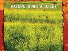 Akshay Kumar Shares New Poster Of <i>Toilet: Ek Prem Katha</i> With A 'Warning'