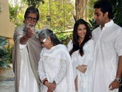 Seen This Pic Of Amitabh, Jaya, Aishwarya And Abhishek Bachchan?