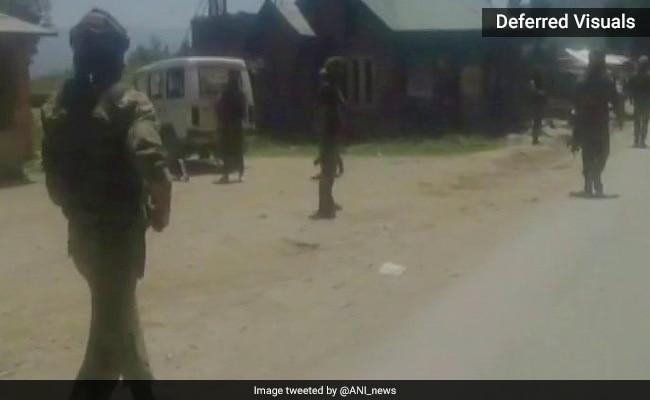 जम्मू-कश्मीर में सेना के काफिले पर आतंकी हमला, दो जवान शहीद