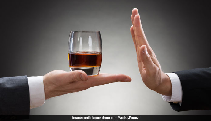 Heavy Drinking Can Raise Bad Bacteria In Mouth: Here
