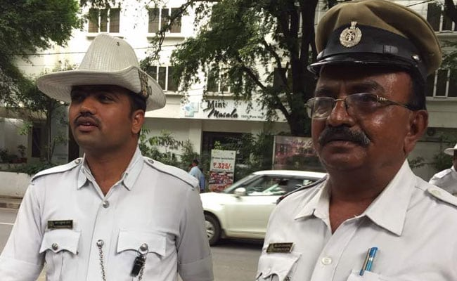 Bengaluru Cops Heroes For Allowing Ambulance Ahead Of President's Convoy