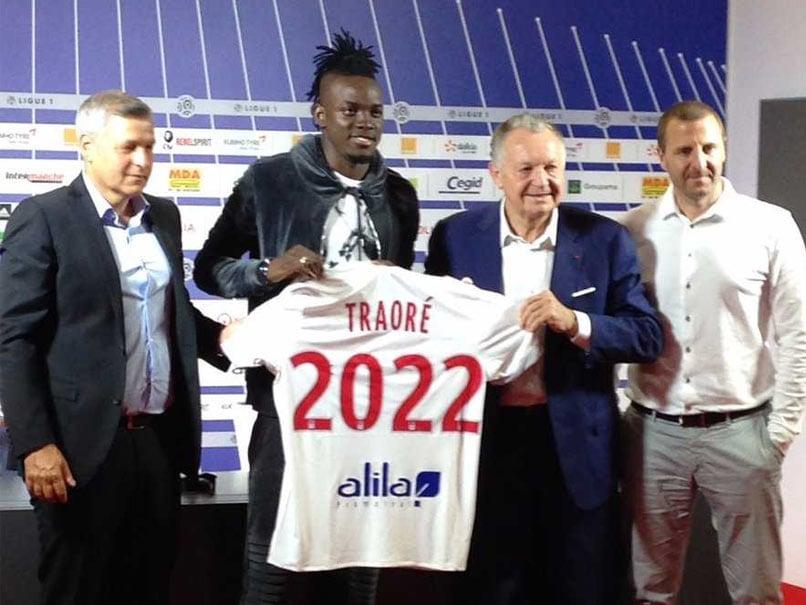 Bertrand Traore Leaves Chelsea For Lyon