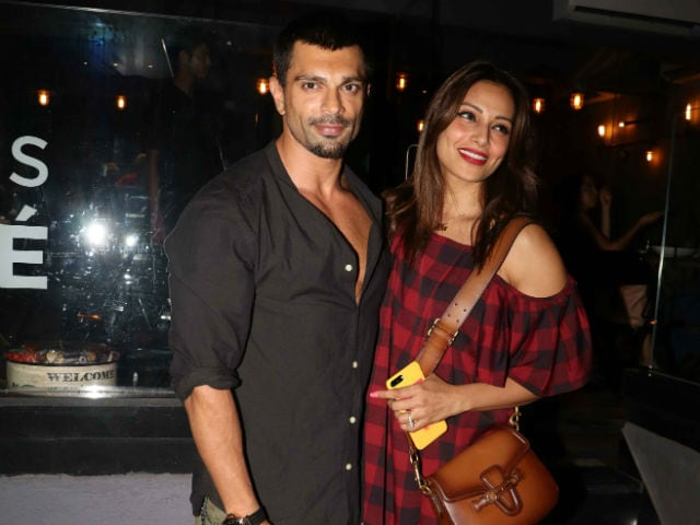 Inside Bipasha Basu And Karan Singh Grover's 'Healthy' Dinner Date With Friends