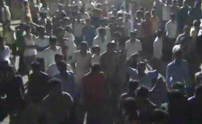 Rajasthan Vigilantes Try To Burn Truck Of Cows Meant For Central Scheme