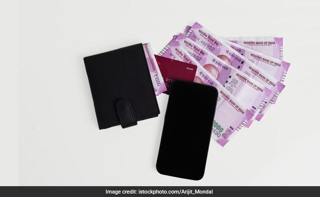 जीएसटी (GST) : क्रेडिट कार्ड बिल, बीमा प्रीमियम देना हो जाएगा महंगा; बैंकों ने चेताया...