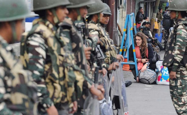 Darjeeling Gorkha separatists clash with police