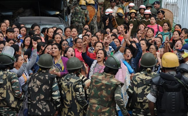 Rajnath Singh Meets GJM Leader As Violence Hits Darjeeling: 10 Facts