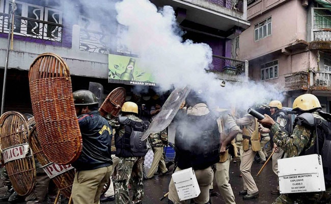 Officer Stabbed After Protests Turn Violent In Darjeeling, Mamata Banerjee Calls It A 'Deep-Rooted Conspiracy'