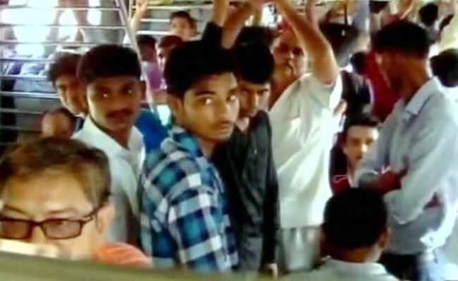 delfhi mathura train