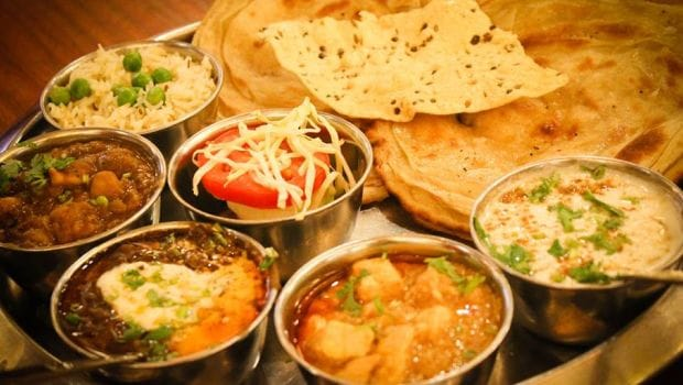 10 Best Dhabas in Delhi That You Would Love to Stop By
