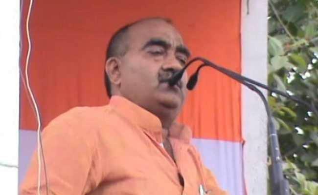 Video: MP कांग्रेस नेता के विवादित बोल- ''राहुल भैय्या के नेतृत्व में किसान सरकार के ऊपर गोली चलाएगा''