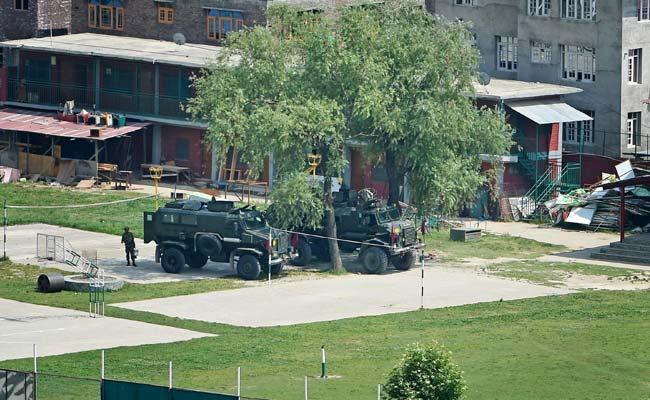 CRPF टीम पर हमले के बाद श्रीनगर के स्कूल में छिपने वाले दोनों आतंकवादी ढेर