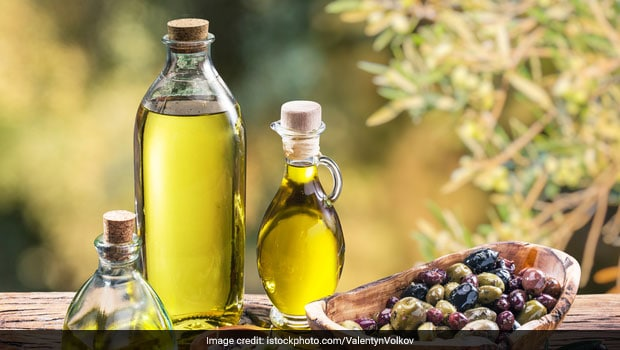 6 Unexpected Extra Virgin Olive Oil Benefits for Weight Loss, Healthy Heart & More